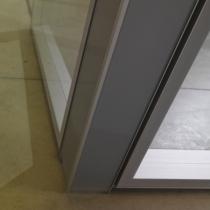 angolo-a-90-in-alluminio-con-vetro-retrolaccato