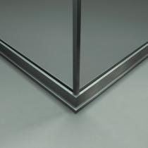 Angolo con profilo in alluminio