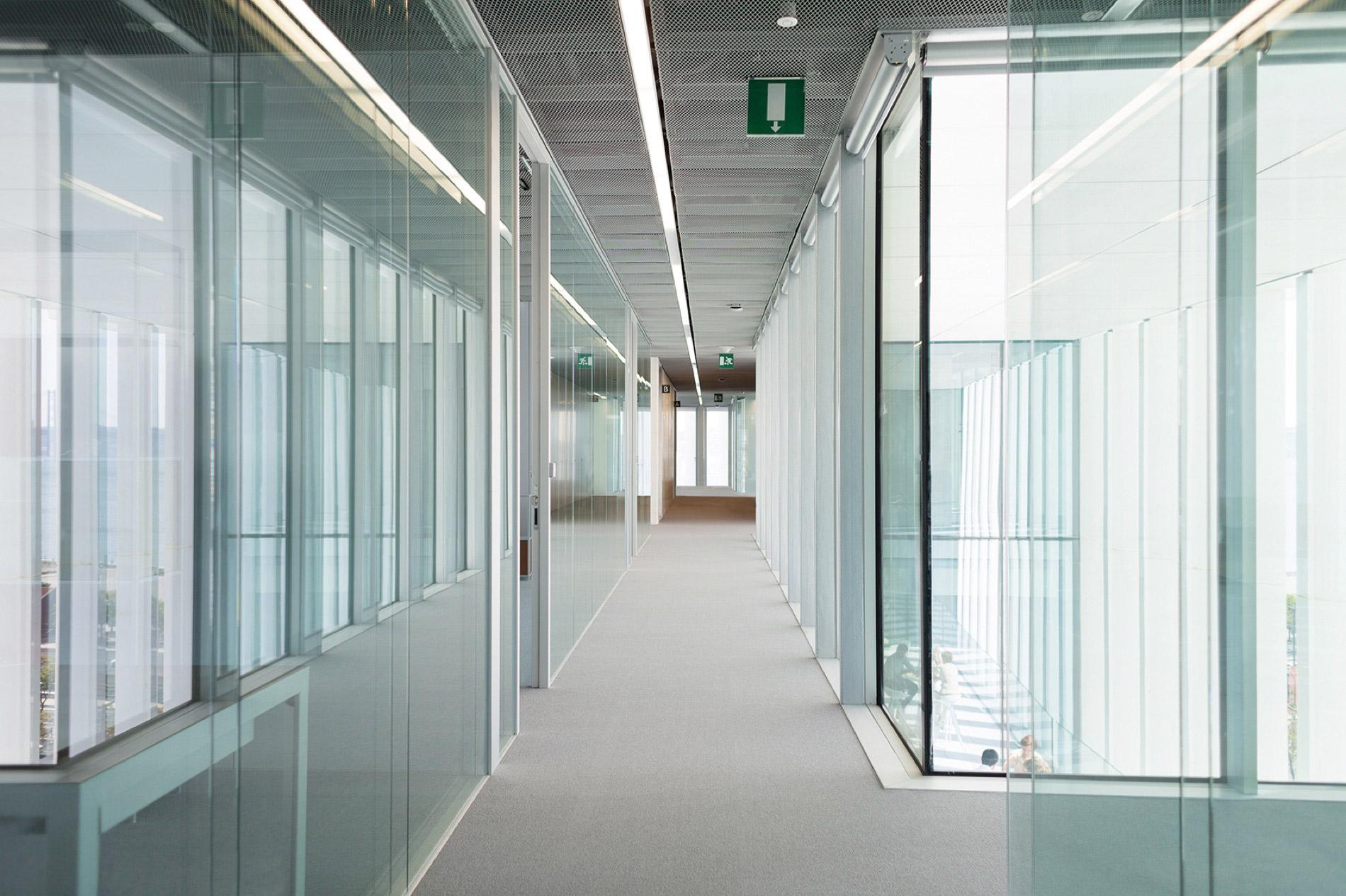 parete metrica f